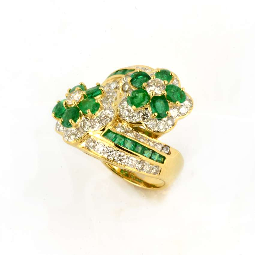 18k Yellow Gold Emerald & Diamond Floral Crossover Ring